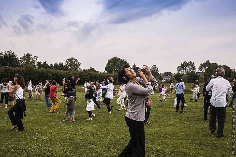 Happy Manif (Walk on the love side), David Rolland Chorégraphies, Nantes, danse